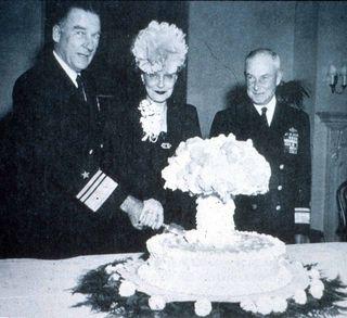 Atomic Cake-lo