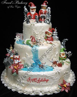 Mr.-and-Mrs.-Claus-Christmas-Cake